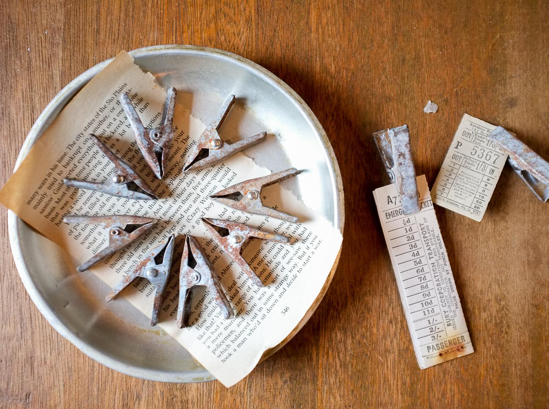古道具とビンテージ・デッドストック物・ミリタリーなど味のあるインテリア雑貨たち