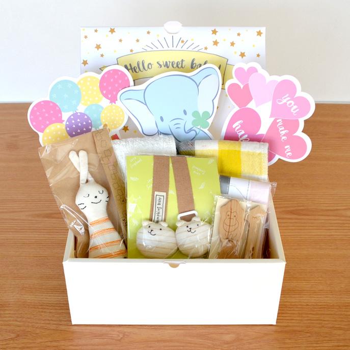 飛び出す仕掛けのギフトボックスが可愛い♥出産祝いのギフトセット
