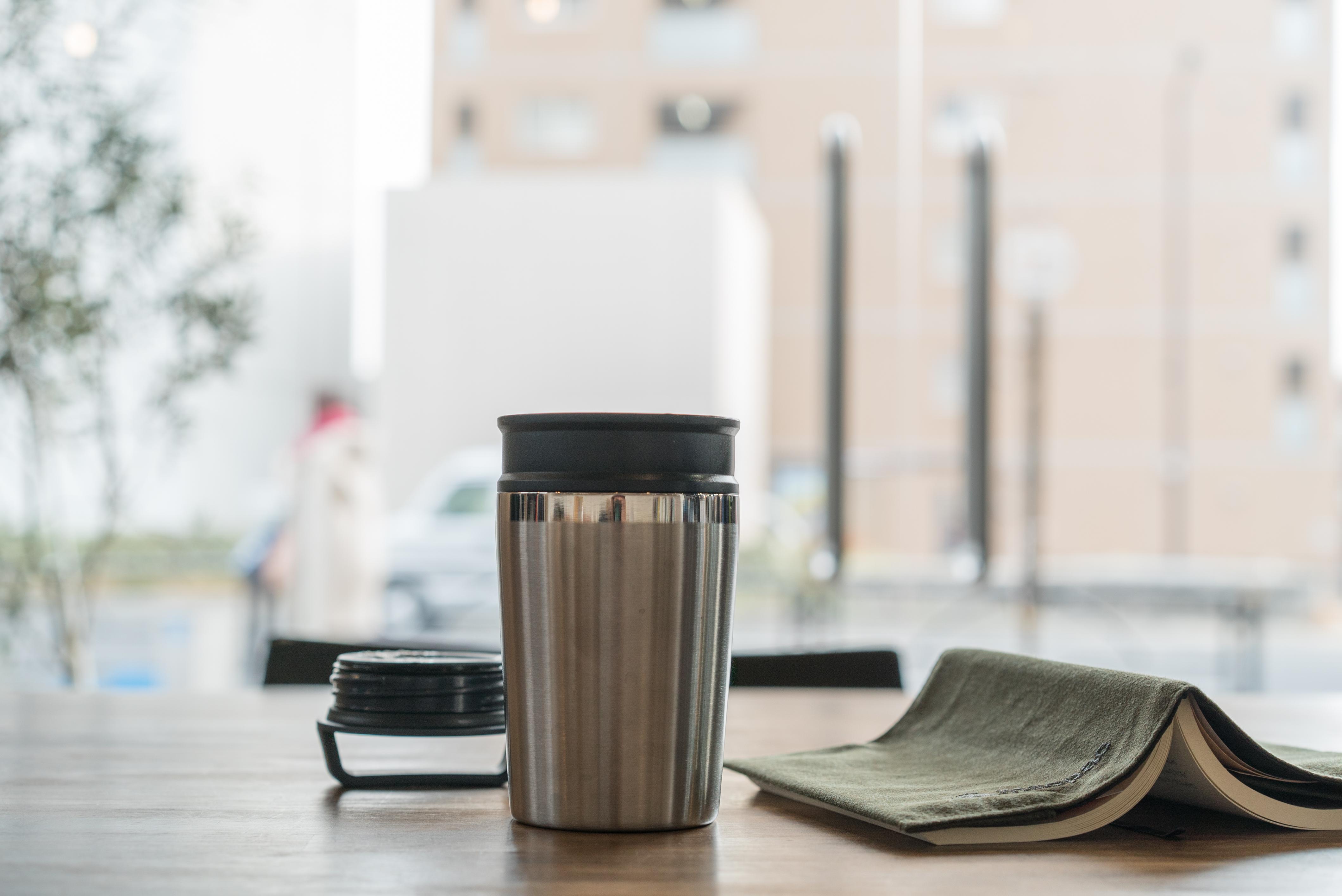 「コーヒー×読書×アウトドア」そんな時間をより快適に過ごすアイテムいくつかあります!