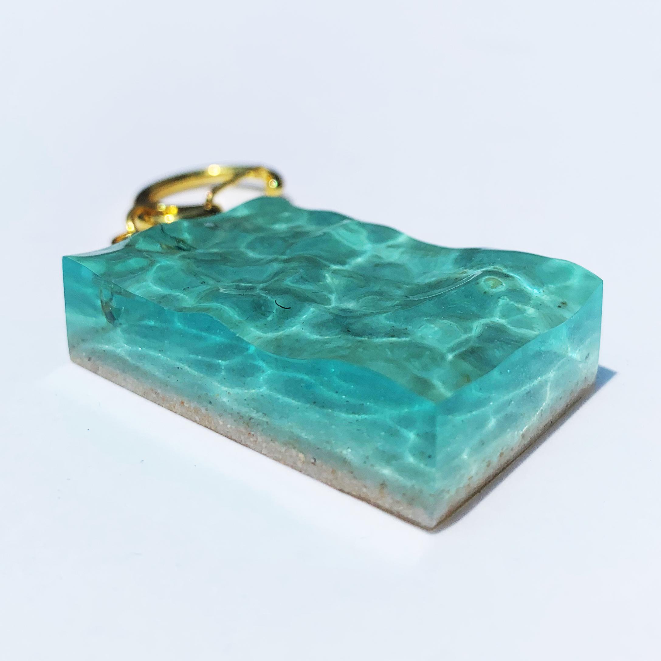 まるで、海をナイフで切り取って来たような、輝く海の想い出「海の記憶シリーズ」