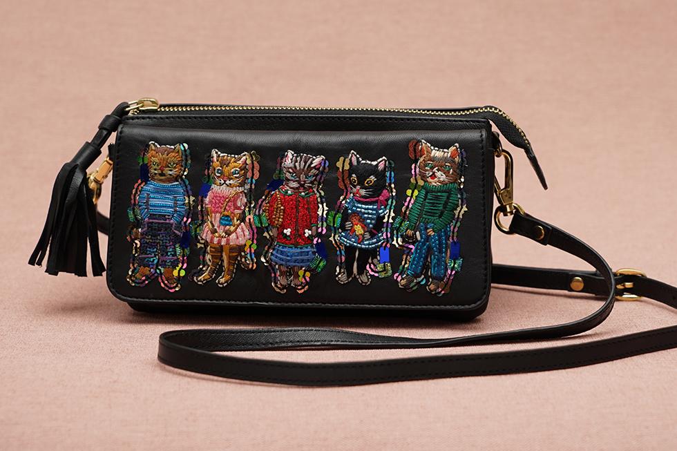 春のお出かけにお財布ポシェット🌷新色Blackが仲間入り🐈❤️