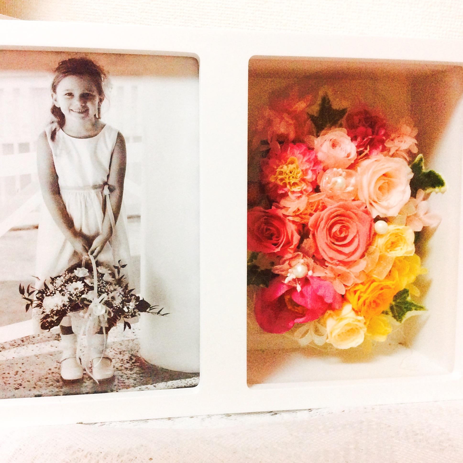 大切な記念日の写真をお花と一緒に飾れるフォトBoxでインテリアを華やかに