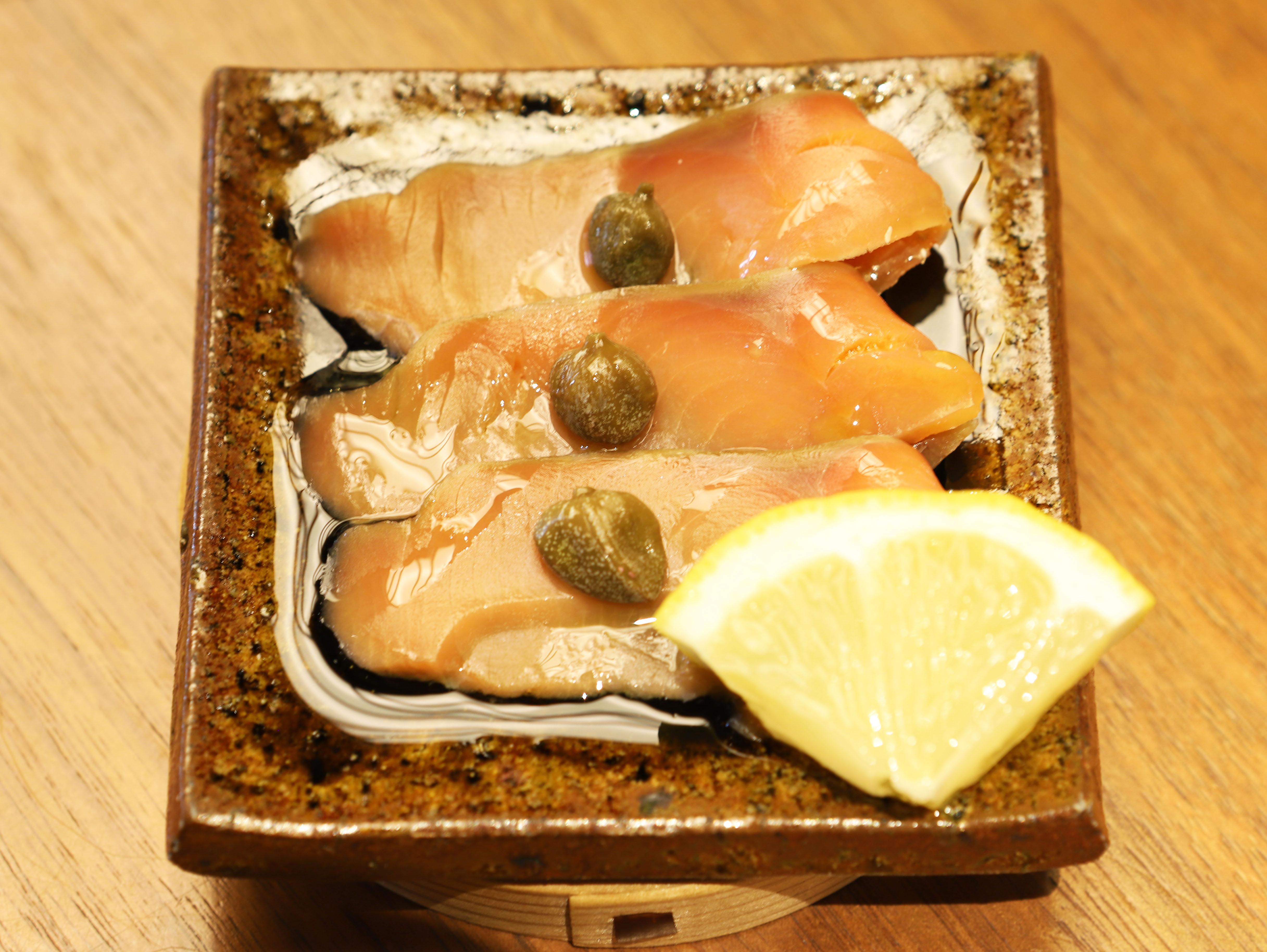 酒喜惣菜レシピ「鮭の生ハムとケッパー」