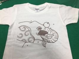 塗り絵Tシャツ ワークショップでたくさんの子どもたちと遊べました♪