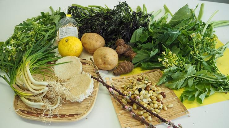 ベジバルーンセット4月(卯月)『大地潤い初め 心弾ませ野菜たち』