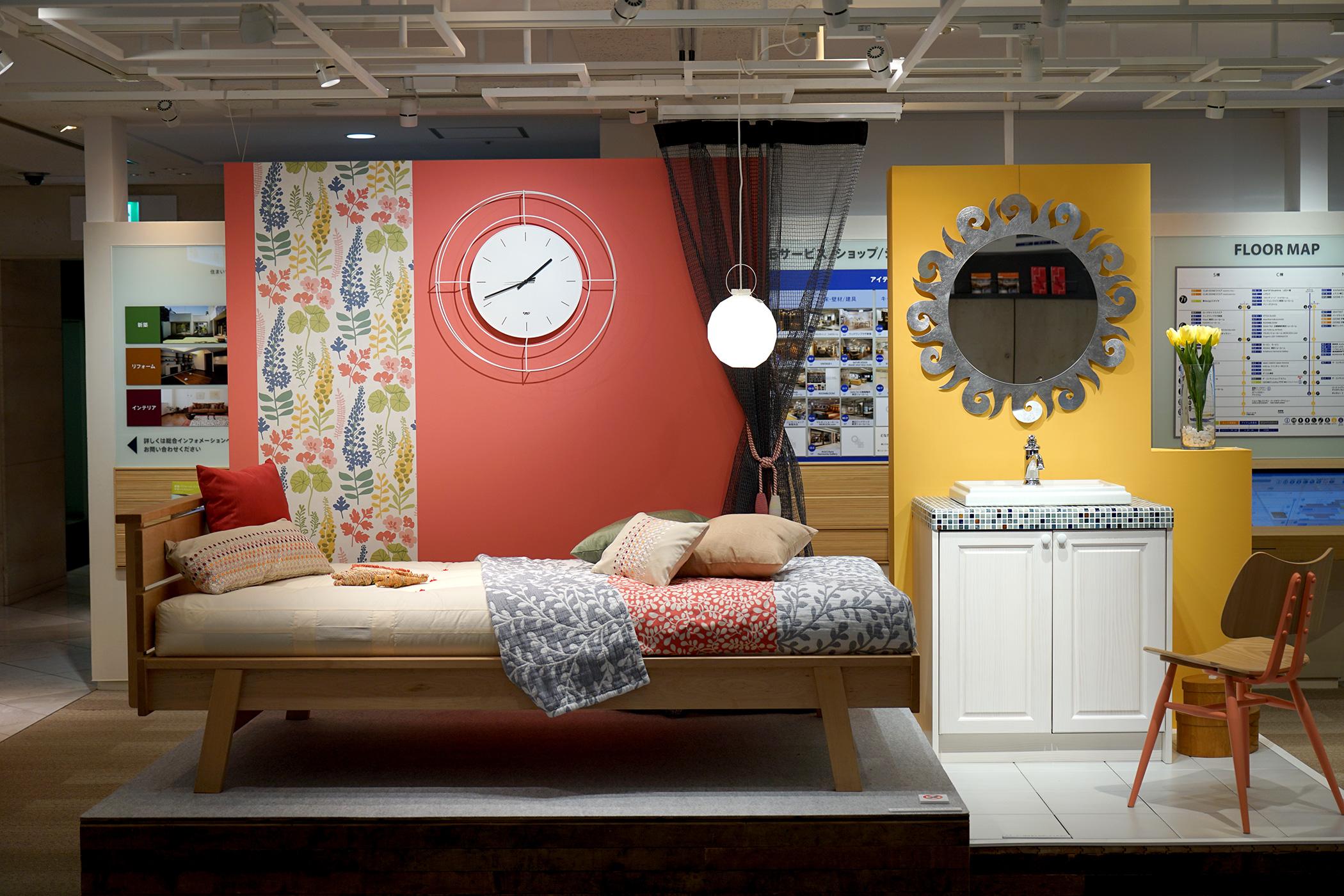 OZONE 3Fのインスタレーションで、NUDO Wall Clock、SOLE Mirrorが展示