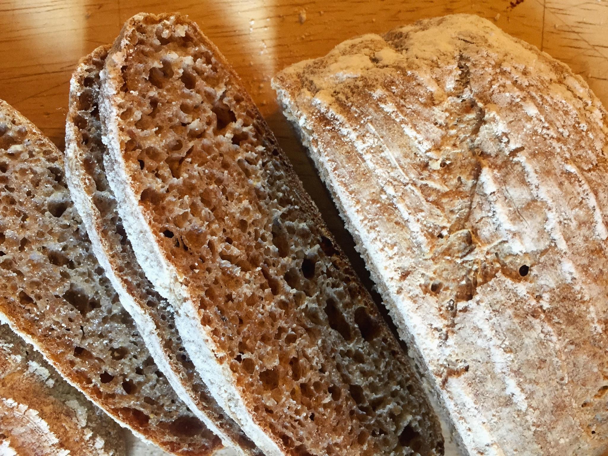 深く豊かな古代小麦・ライ麦の香りが味わえる、新しいパンの詰め合わせのお知らせ