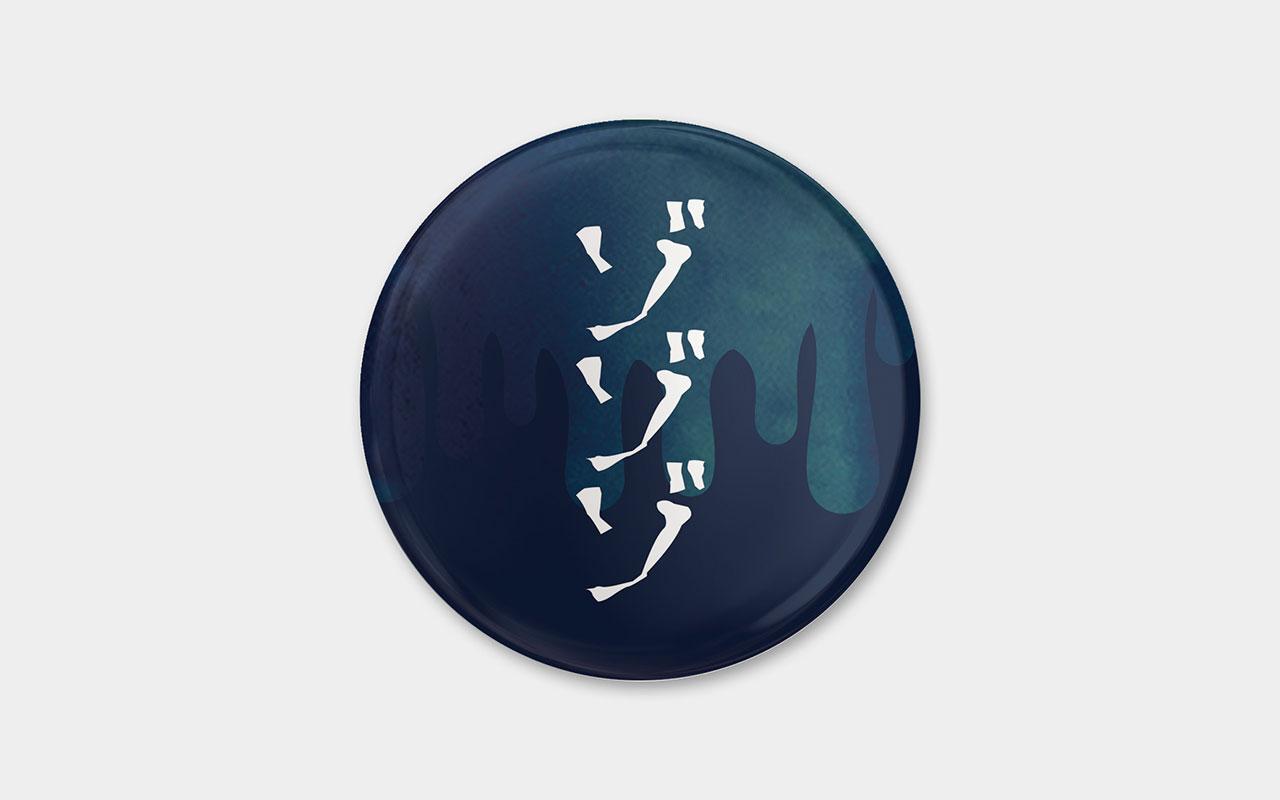 青い缶バッチ(57mm)完売のお知らせ