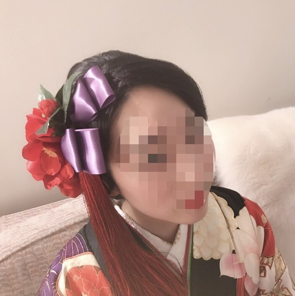 オーダー制作:ロングタッセルと椿の成人式の髪飾り