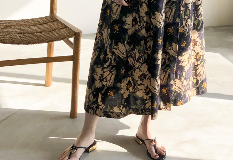 RECOMMEND ITEM『Flower Print Tuck Skirt』