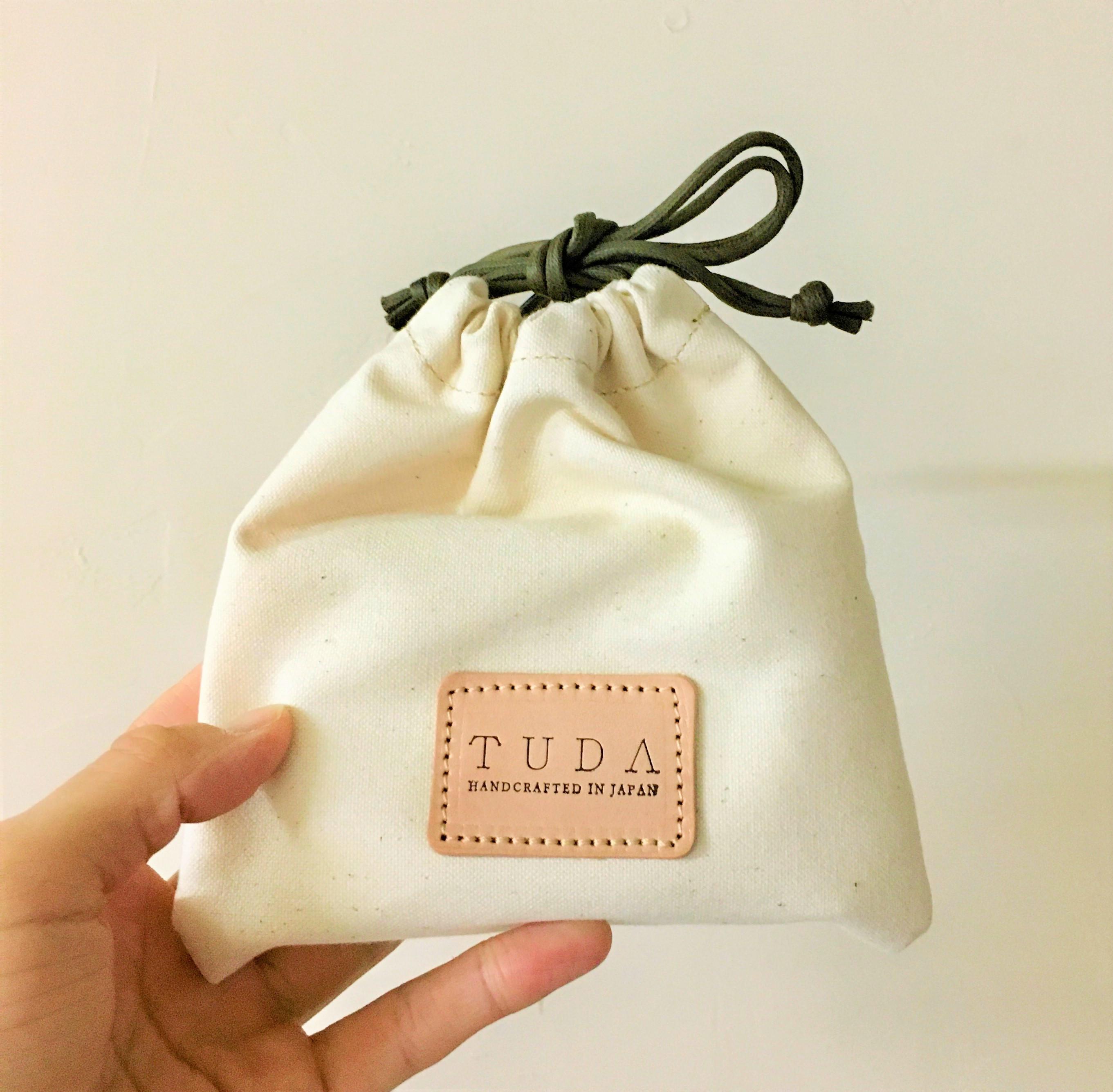 ギフト用に革小物をご注文いただいた場合は、巾着袋もおつけします。