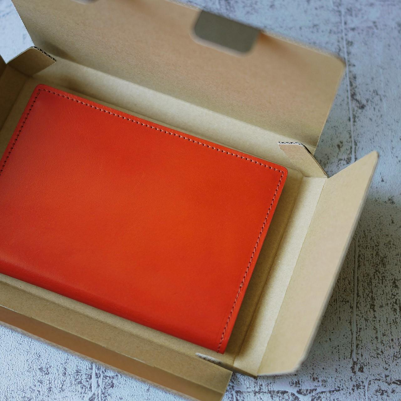 革小物のオレンジカラーは8月再販の予定です。