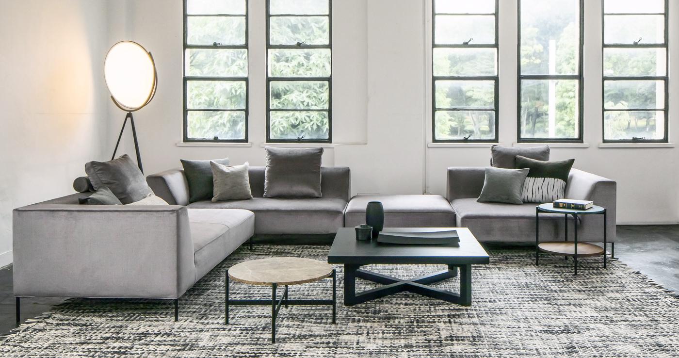 あらゆるリビングにフィットする、自由な組み合わせを楽しむソファ - KINGSTON sofa -