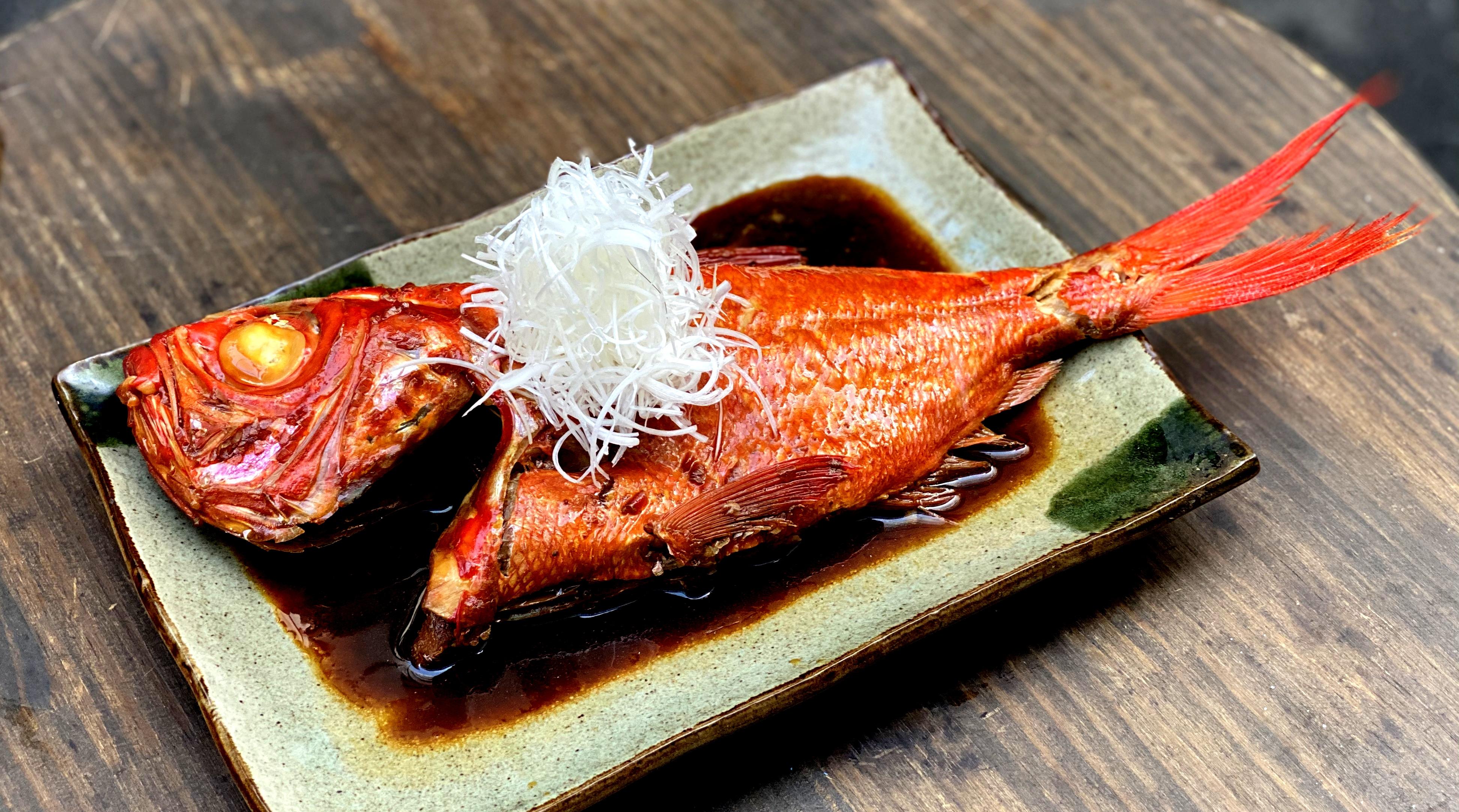 千葉県勝浦産釣り金目鯛で一本煮付けを作るの巻