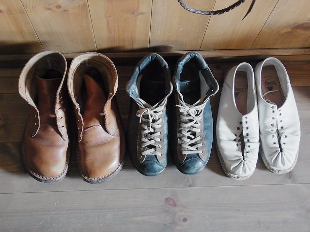 小さな革靴の三兄弟