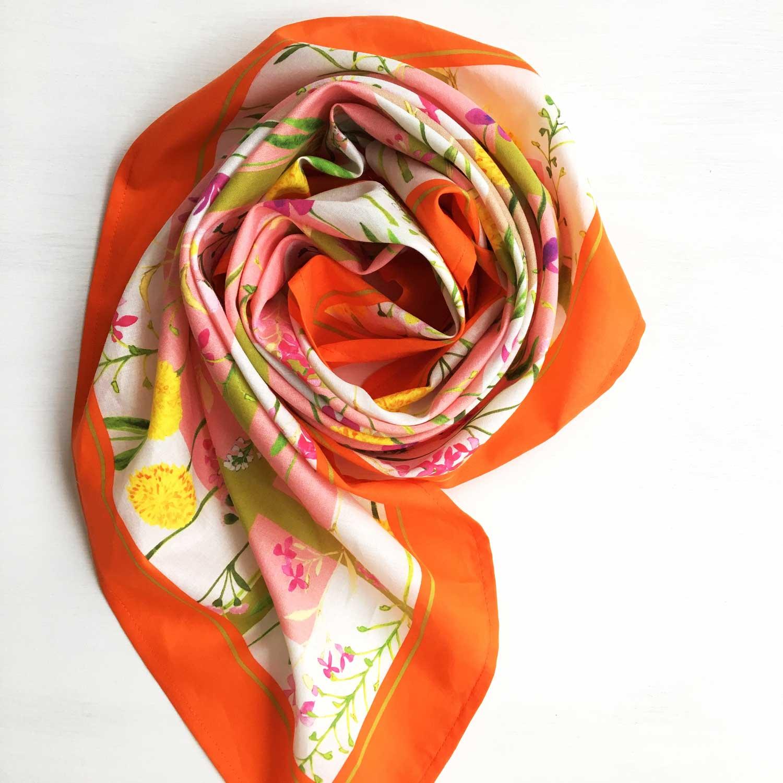 スカーフは、YURI MIU(オフィシャルストア)へ ♪