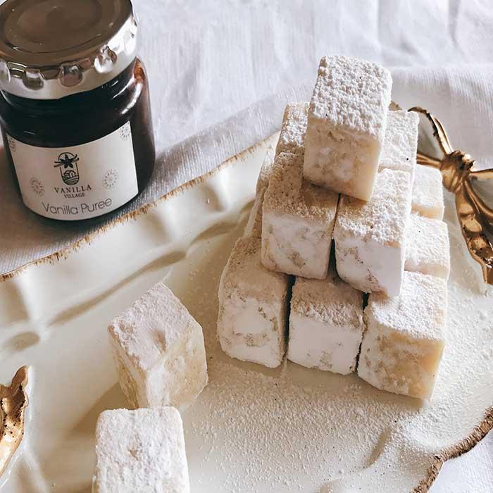 【バニラとホワイトチョコの生チョコ☺️: とろける口どけにバニラの天然の香りがふわっと😌✨】