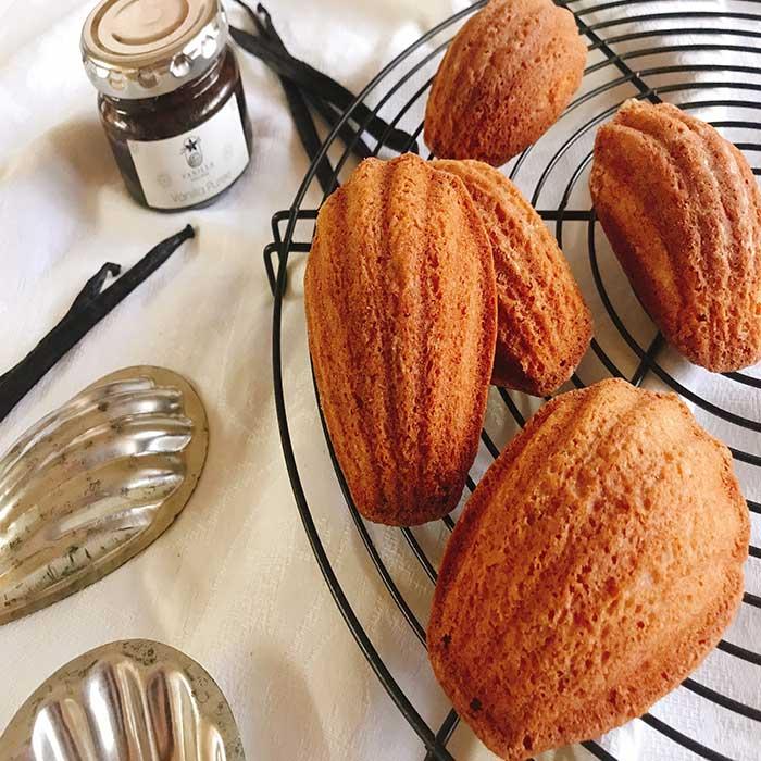 【バニラのマドレーヌ✨: 焼き菓子の定番を自分で作るからこそ一段と美味しくなる😊】