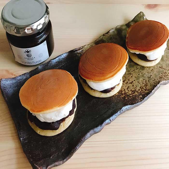 【バニラクリームどら焼き✨:天然バニラピューレは和菓子にも合う!生クリームたっぷりのどら焼き😌】