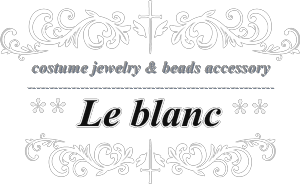 Le blanc beads accessory