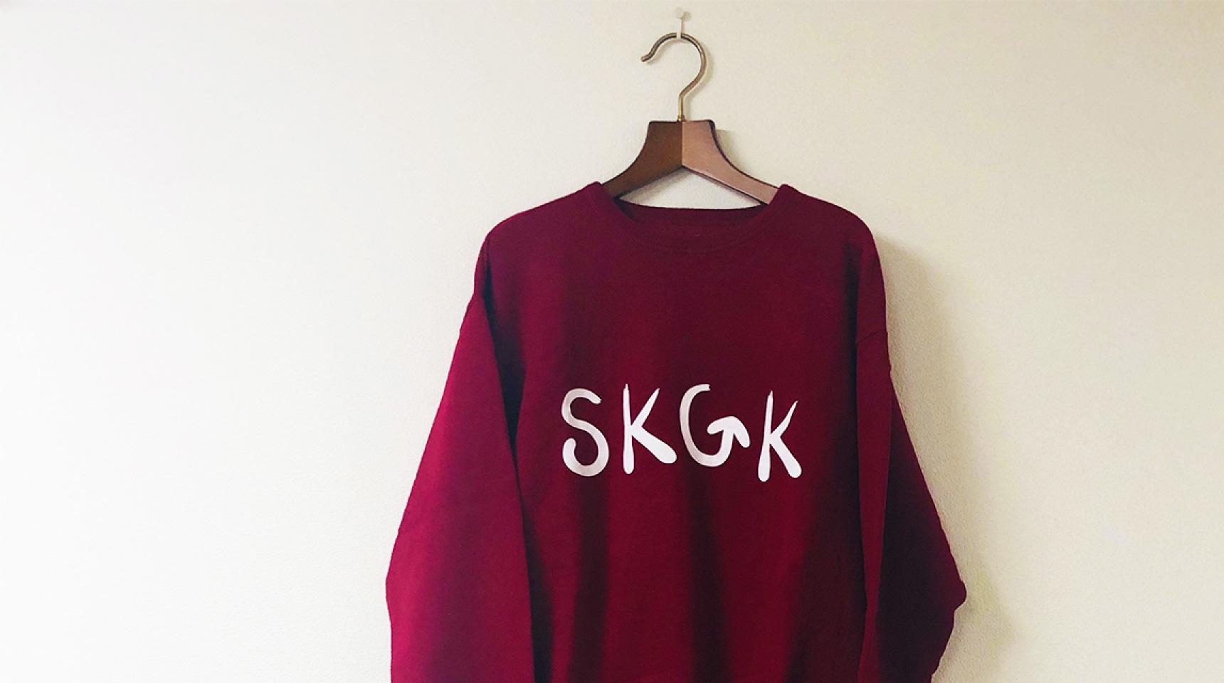 <p>SKGK</p> スウェットシャツ <p>赤×白</p>