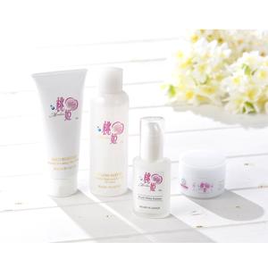 「桃姫」ベーシックスキンケアセット+ホワイトエッセンス(洗顔料、化粧水、保湿クリーム、美容液)